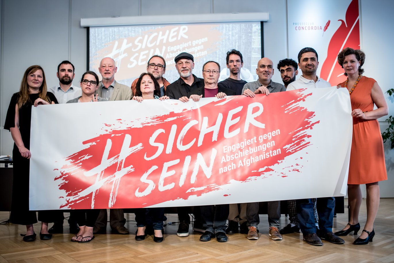 https://www.sichersein.at/wp-content/uploads/2018/05/Pressekonferenz-Facebook-2.jpg