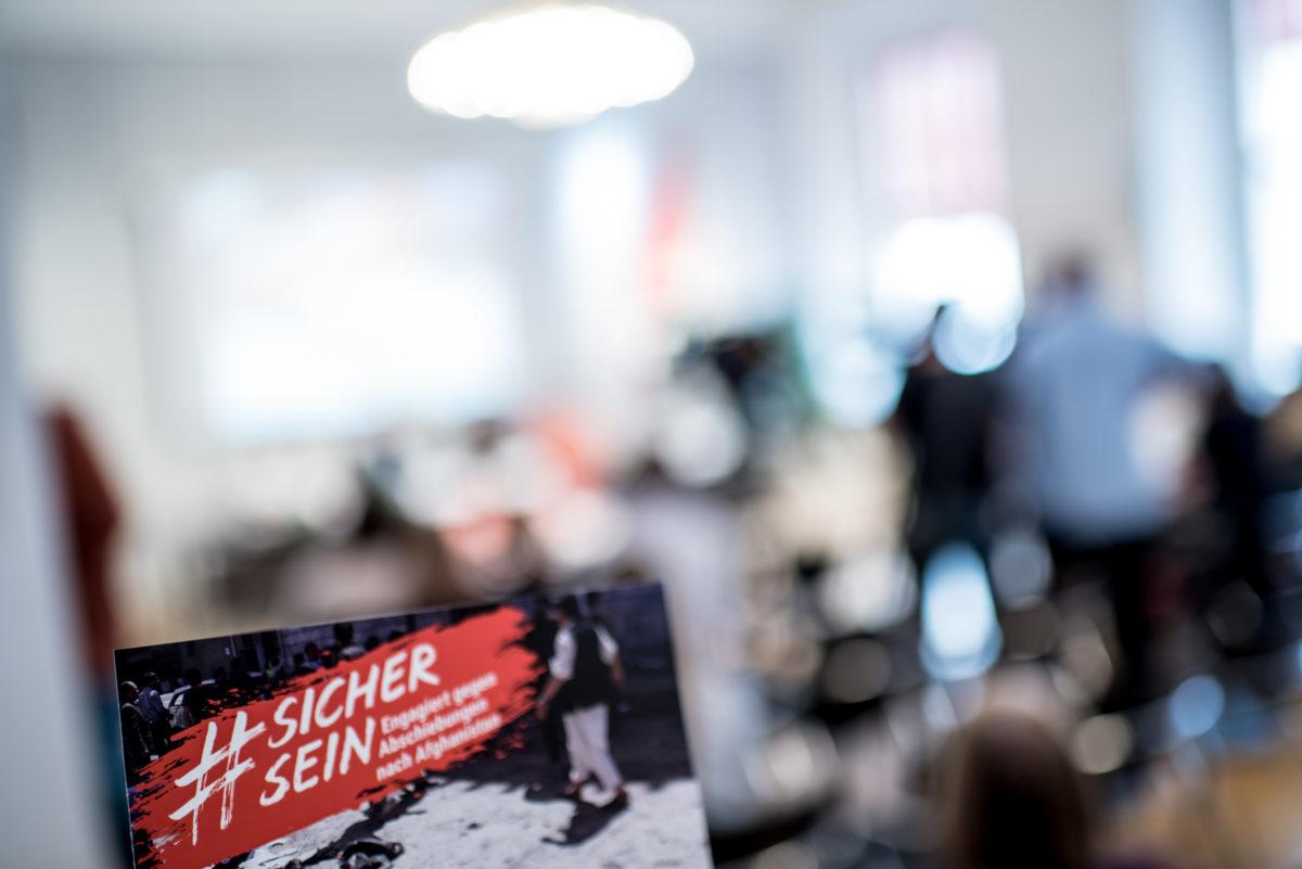 sichersein-pressekonferenz-2018-05-02-christopher-glanzl-20-1200x801.jpg