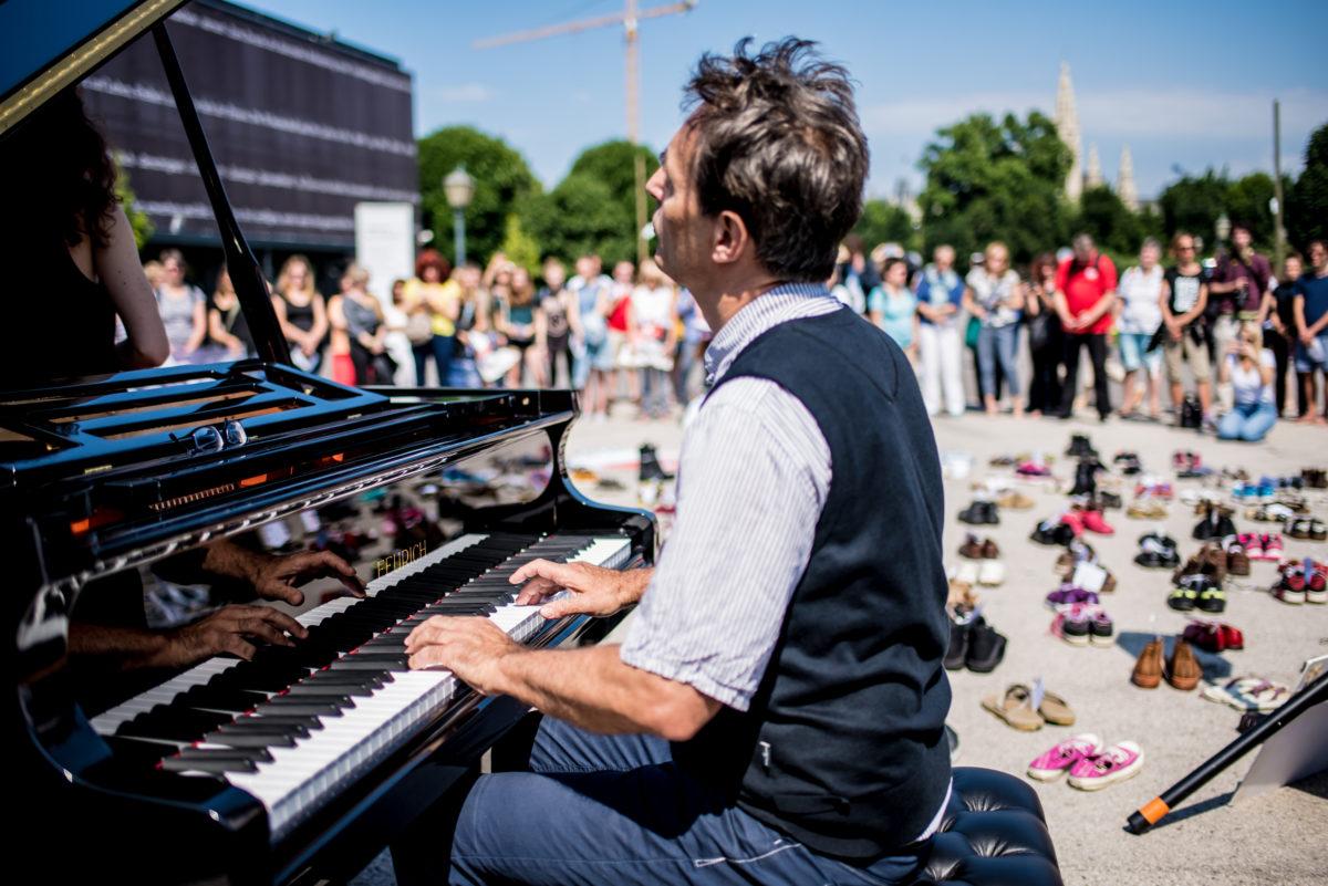 schuhe-und-musikalischer-protest-c-christoph-glanzl (1)