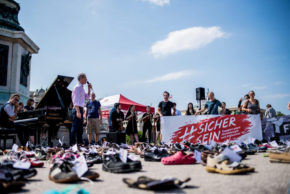 schuhe-und-musikalischer-protest-c-christoph-glanzl (5)